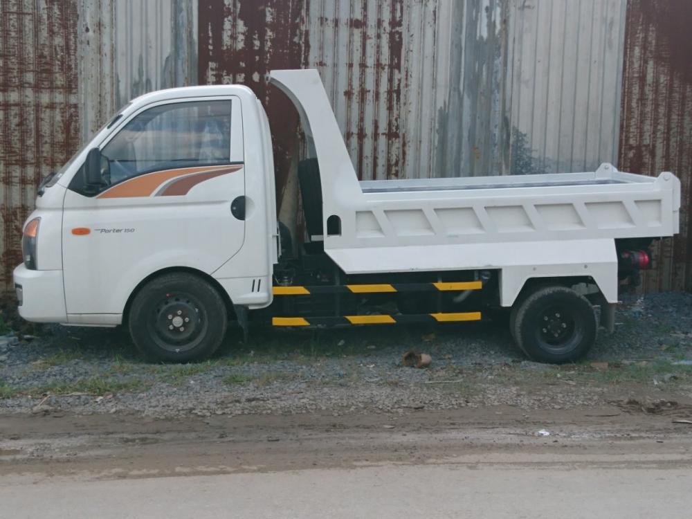 Bán xe Porter Ben 1.5T màu trắng