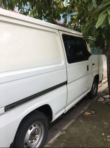 Cần bán gấp Nissan Urvan 1998, màu trắng, xe không có niên hạn sử dụng
