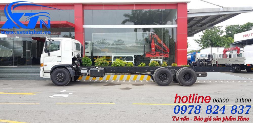 Xe tải Hino FL 15 tấn, thùng dài 7.7m - 9.4m