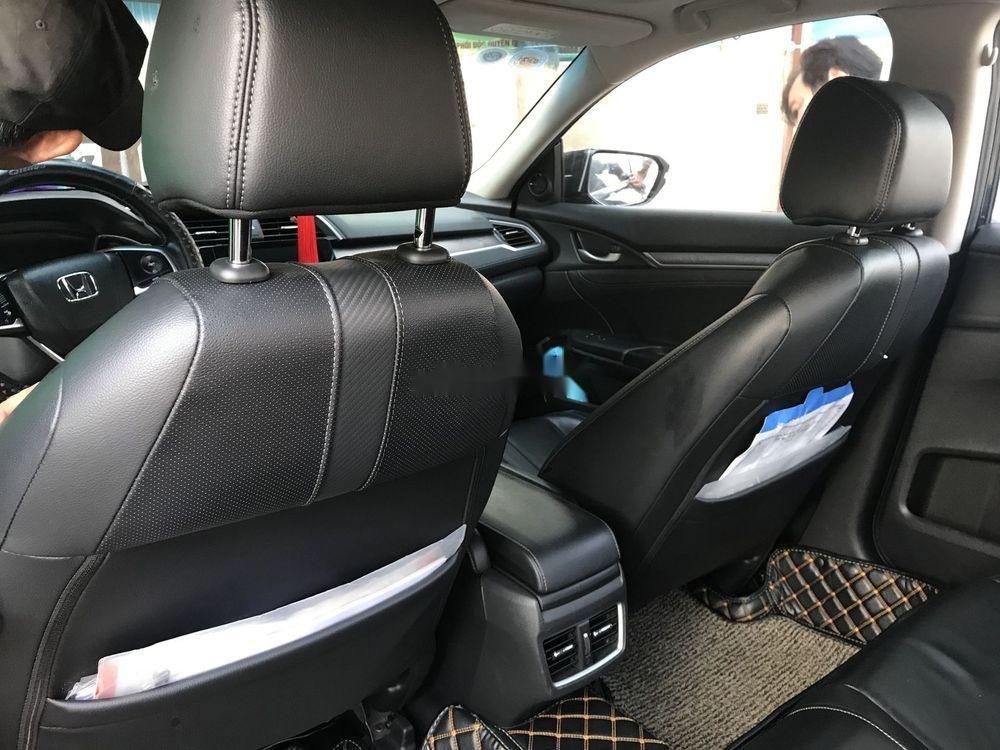 Cần bán xe Honda Civic sản xuất 2016, nhập khẩu nguyên chiếc đẹp như mới