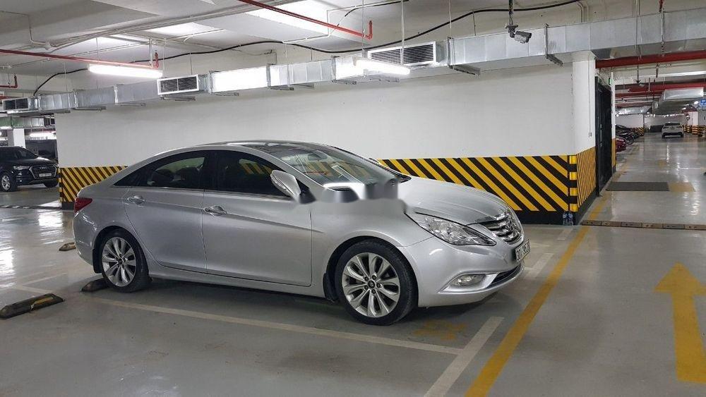 Bán xe Hyundai Sonata đời 2011, màu bạc, nhập khẩu chính chủ