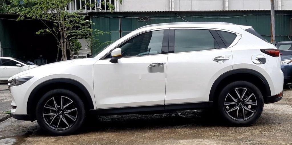 Cần bán xe Mazda CX 5 sản xuất 2019, màu trắng, xe nhập còn mới