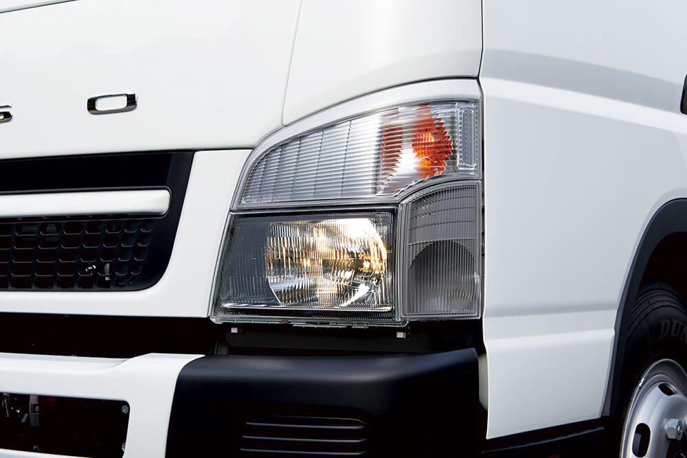 Xe tải Fuso Canter giá ưu đãi , hỗ trợ trả góp lãi suất thấp