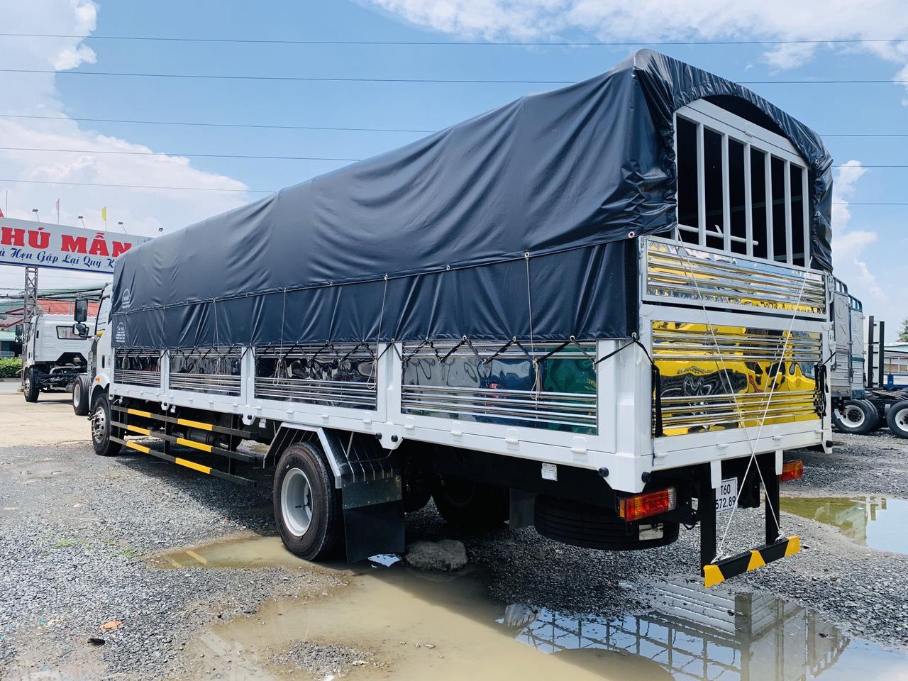 Xe tải FAW 9 tấn thùng dài 10 met chở ba lếch