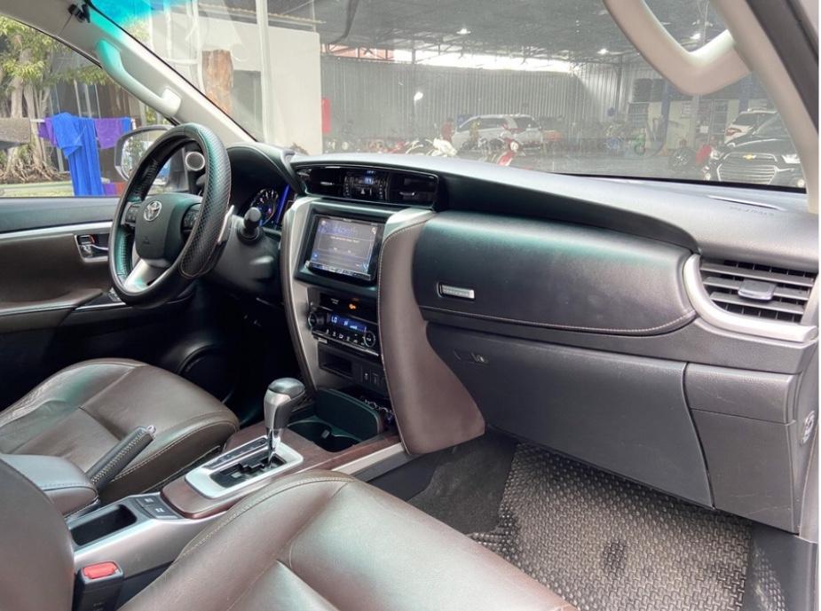 Bán xe Fortuner AT biển số đẹp, màu bạc sx 2017
