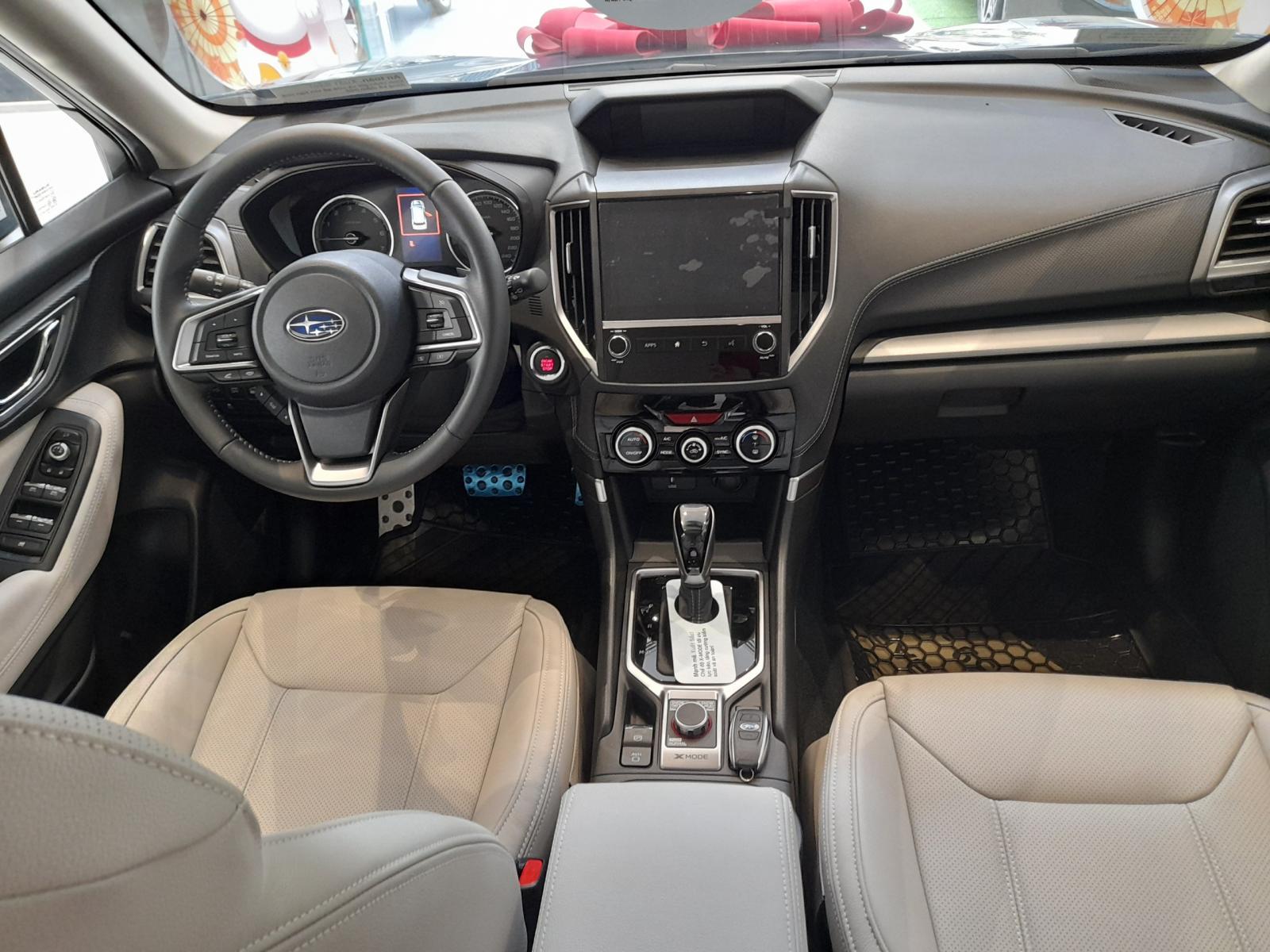 Giá Subaru Forester - Khuyến mãi khủng - Giao ngay