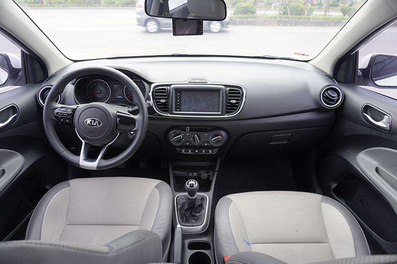 Kia Soluto Deluxe 1.4MT 2020 màu trắng, giá tốt