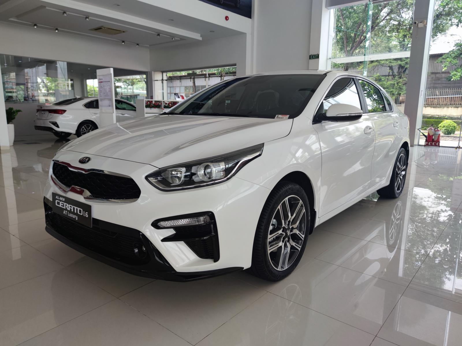 Bán Kia Cerato sản xuất 2021, màu trắng