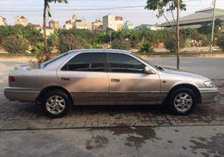 Cần bán Toyota Camry GLi 2001, màu bạc số sàn giá 250 triệu tại Hà Nội