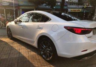 Cần bán gấp Mazda 6 2.5 2019, màu trắng giá 935 triệu tại Tp.HCM