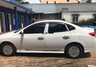 Cần bán lại xe Hyundai Avante đời 2011, màu trắng giá 335 triệu tại Quảng Nam
