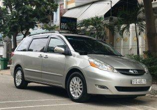 Bán Toyota Sienna năm 2009, màu bạc   giá 745 triệu tại Tp.HCM