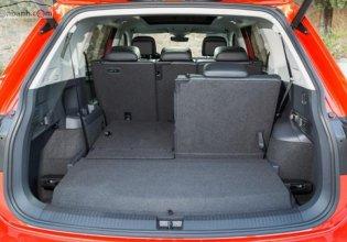 Bán xe Volkswagen Tiguan sản xuất 2018, nhập khẩu, màu cam giá 1 tỷ 749 tr tại Tp.HCM