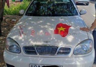 Cần bán gấp Daewoo Lanos sản xuất năm 2001, màu trắng giá 150 triệu tại Đồng Nai
