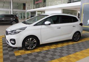 Cần bán xe Kia Rondo GAT 2.0AT 2017, màu trắng, giá cạnh tranh giá 588 triệu tại Tp.HCM