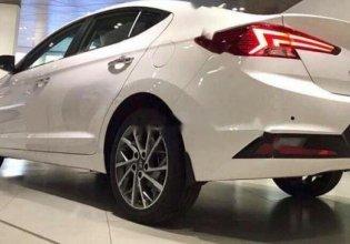 Cần bán xe Hyundai Elantra 2019, màu trắng giá cạnh tranh giá 699 triệu tại Quảng Trị