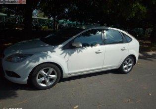 Cần bán Ford Focus năm sản xuất 2011, màu trắng giá 300 triệu tại Ninh Thuận
