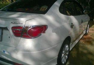 Cần bán lại xe Hyundai Avante đời 2011, màu trắng chính chủ giá 320 triệu tại TT - Huế