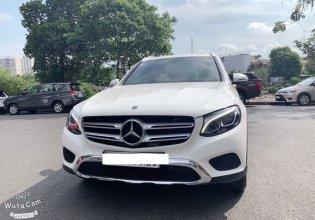 Bán nhanh giá ưu đã với chiếc Mercedes-Benz GLC 200 đời 2020, màu trắng giá 1 tỷ 580 tr tại Tp.HCM