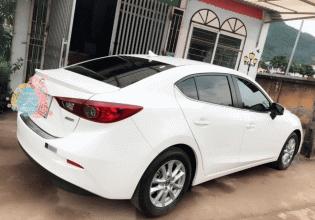 Bán giá thấp với chiếc Mazda 3 1.5 sedan sản xuất 2017, màu trắng, giá thấp giá 650 triệu tại Hòa Bình
