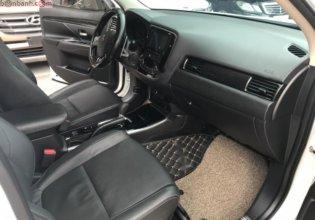 Cần bán gấp Mitsubishi Outlander sản xuất năm 2019, màu trắng giá 880 triệu tại Hà Nội